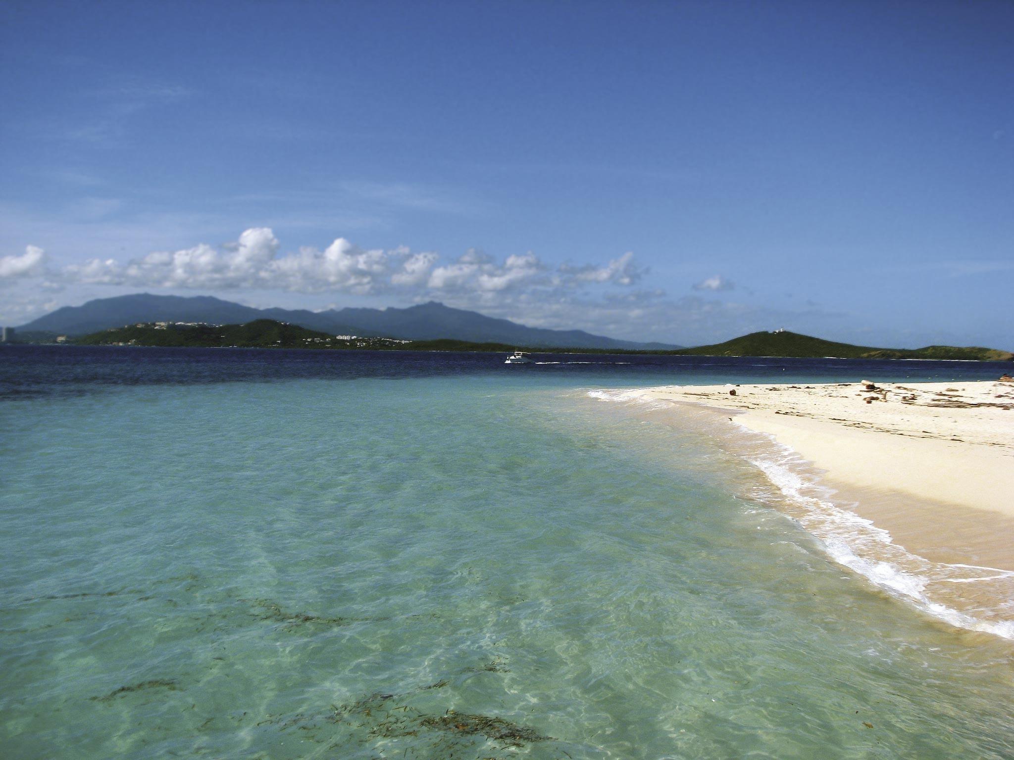 Ex. 8 Une île paradisiaque