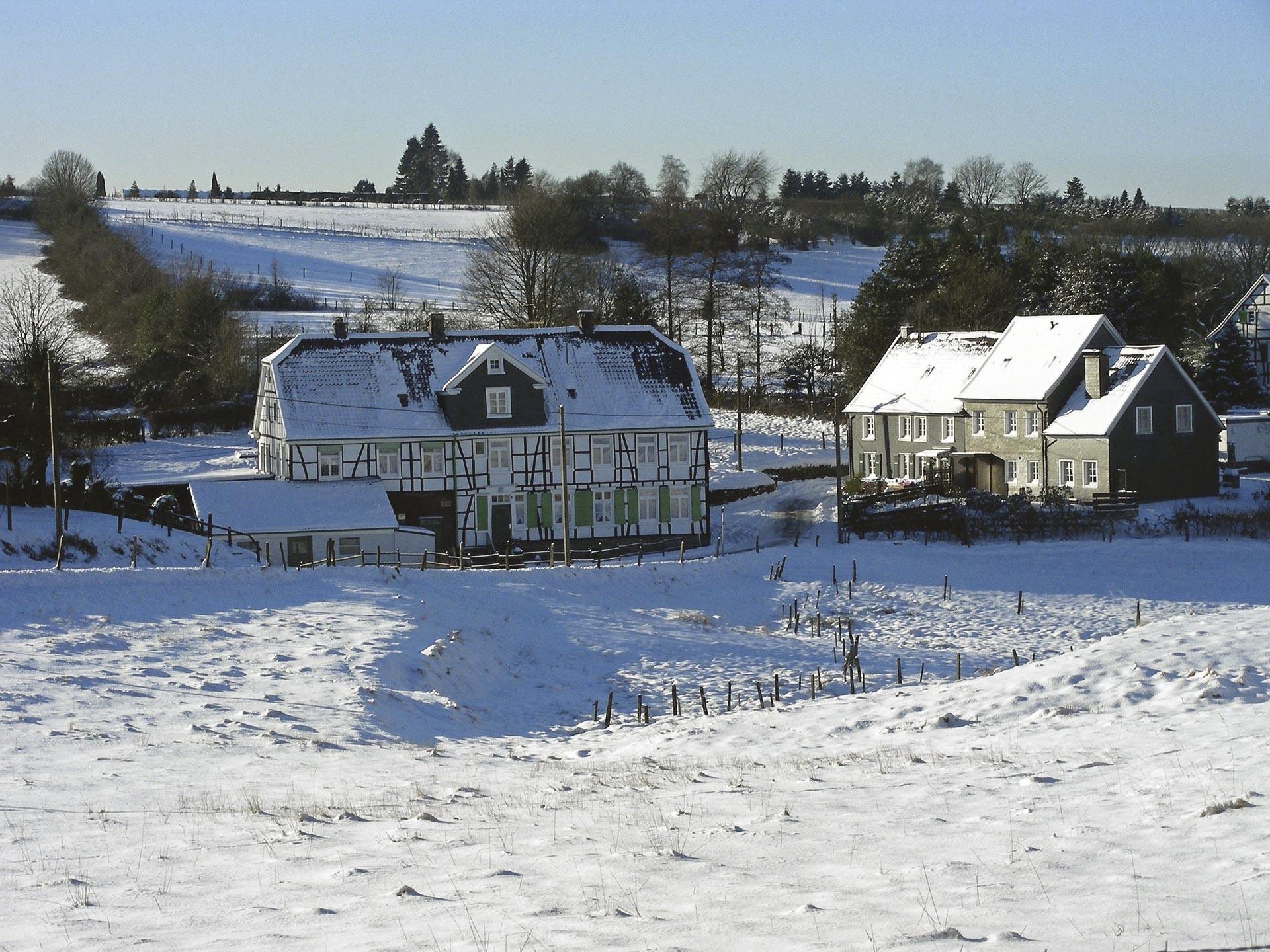 Ex. 15 Une ferme enneigée
