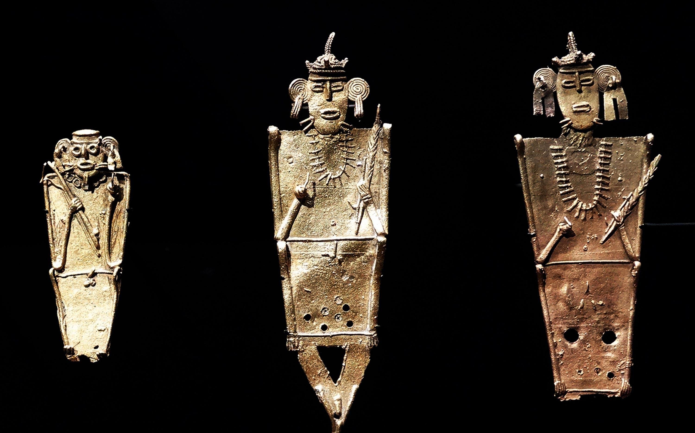 <stamp theme='pc-green1'>Doc. 4</stamp> Statuettes en alliage d'or, de cuivre et d'argent.