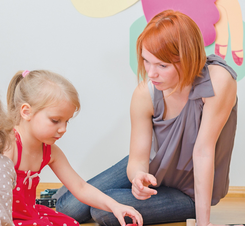 Gaelle. P. : s'occuper de jeunes enfants.