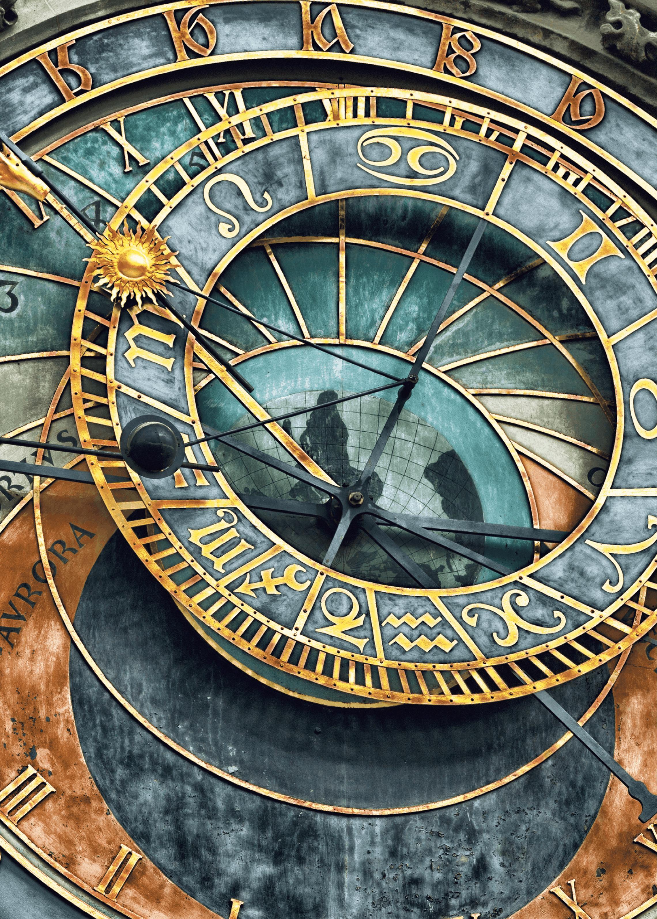 L'horloge astronomique médiévale sur la place de la vieille ville de Prague