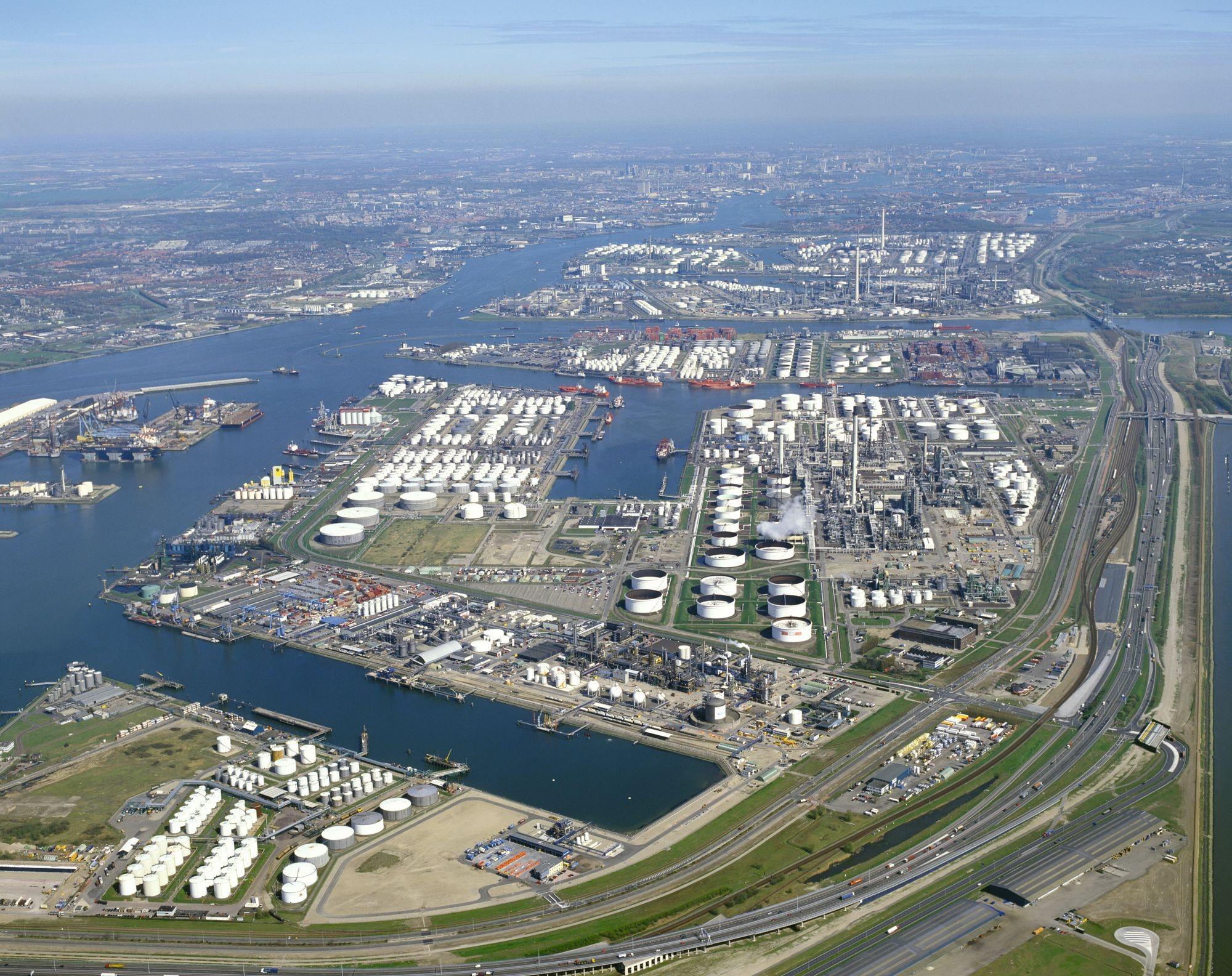 Vue aérienne du port de Rotterdam