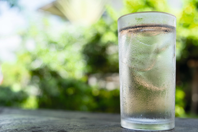 Glaçon dans un verre