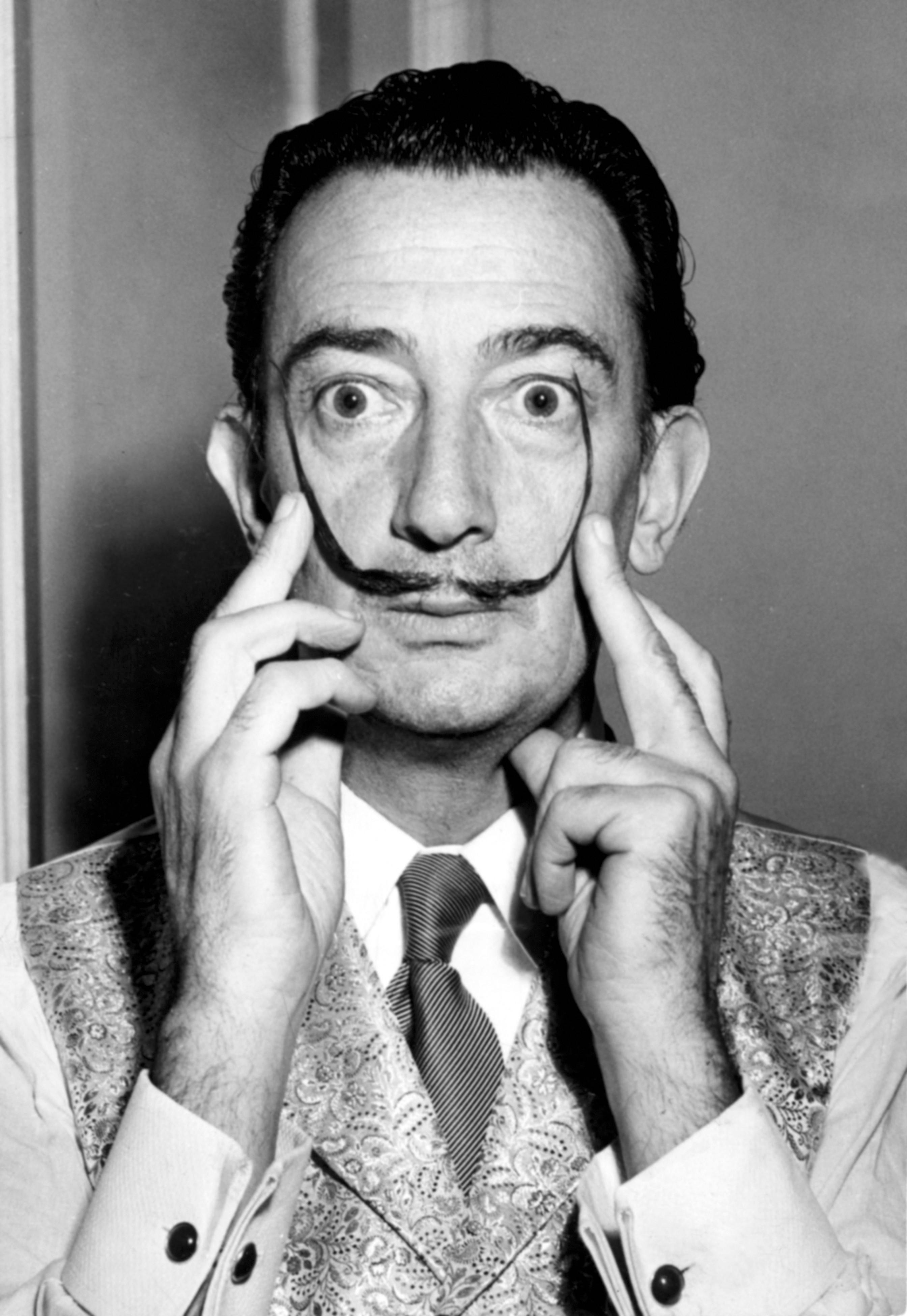 Escultor, pintor y arquitecto español, Salvador Dalí