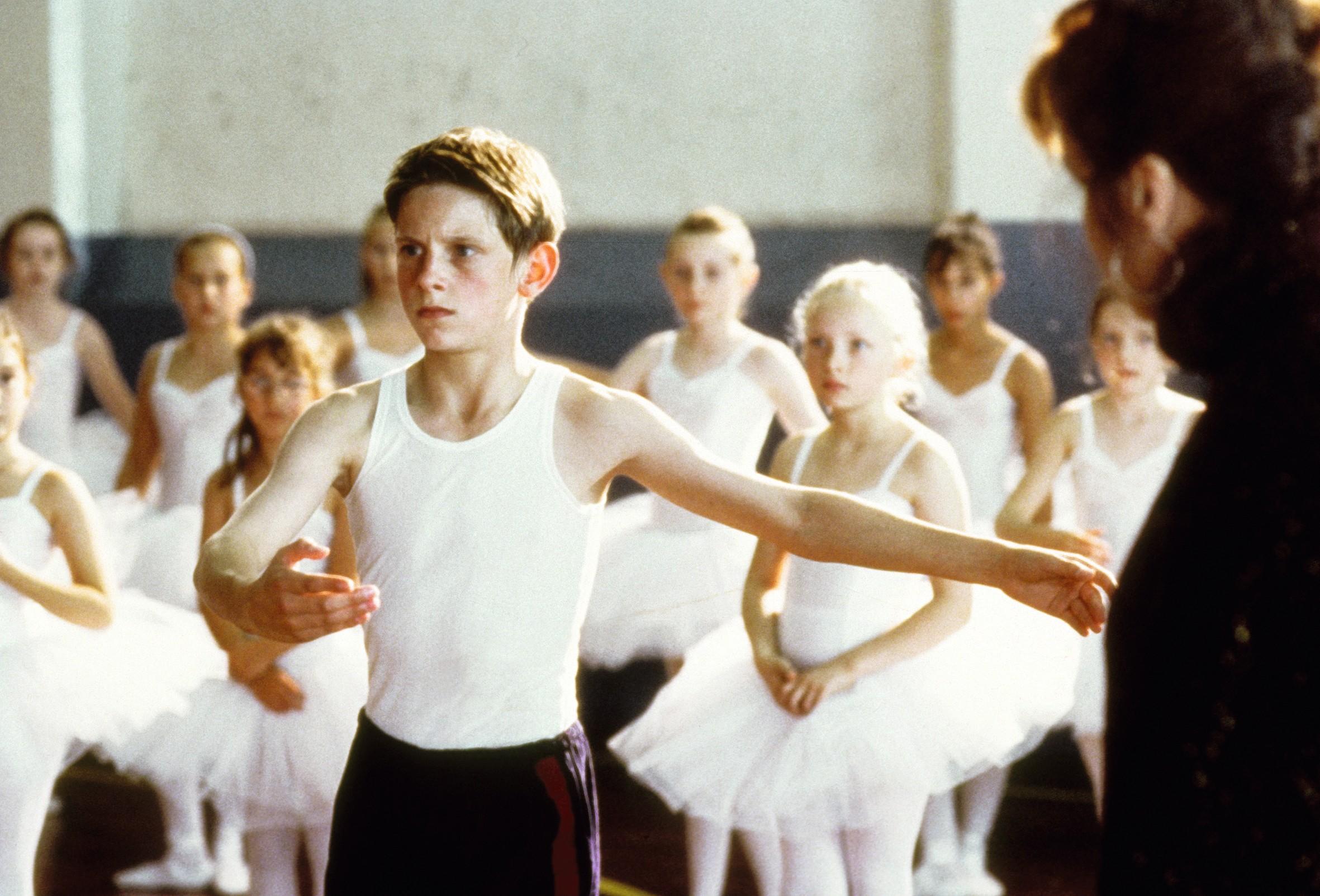 Billy Elliot, un film de Stephen Daldry sorti en 2000, raconte l'histoire d'un garçon passionné de danse