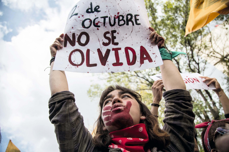 Los jóvenes commemoran el 50.° aniversario de la matanza de Tlatelolco, México, 2018