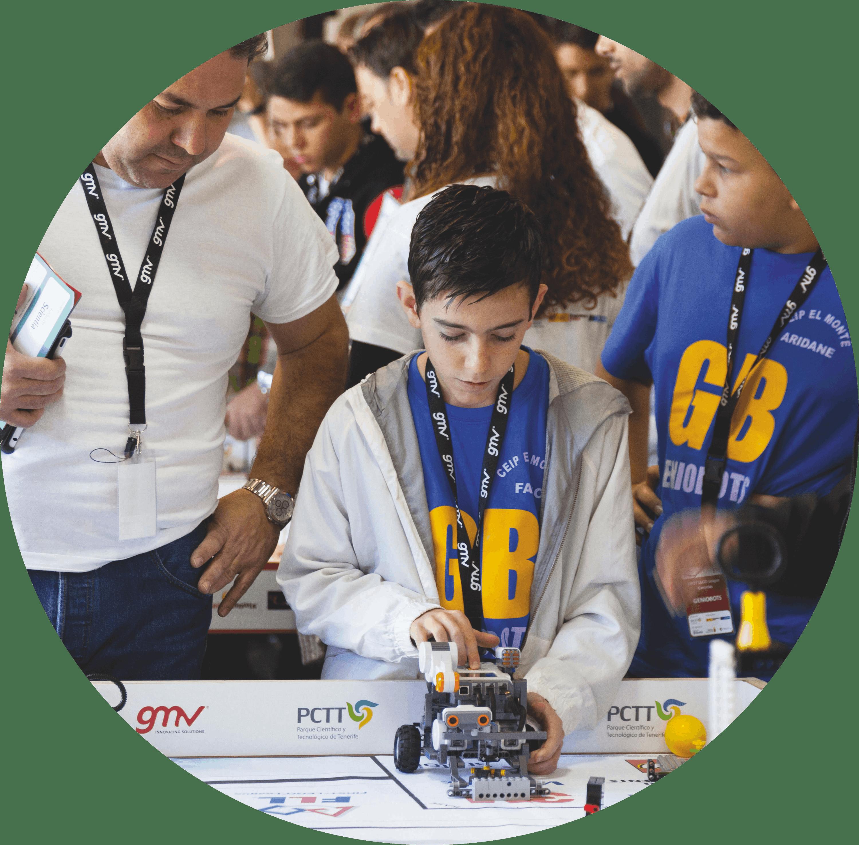 Niños compitiendo en un concurso de robótica, portrait