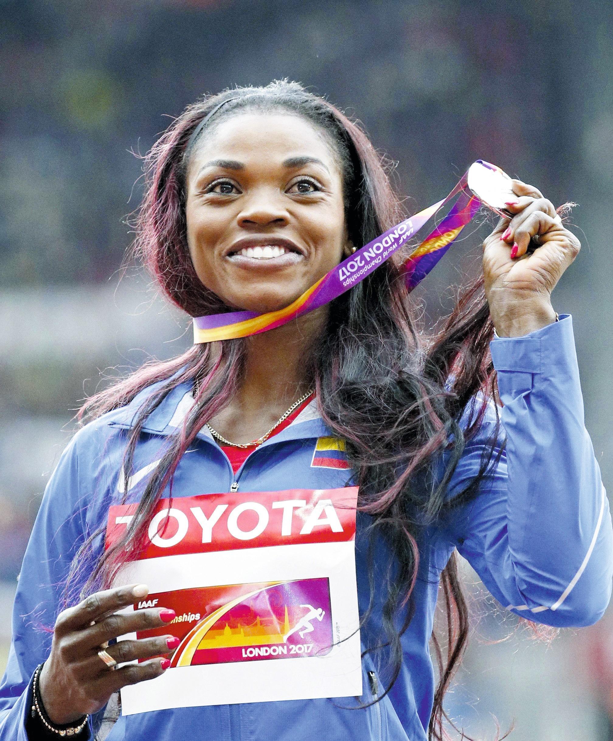 Caterine Ibargüen gana la medalla de plata en el Campeonato  Mundial de 2017 en Londres.