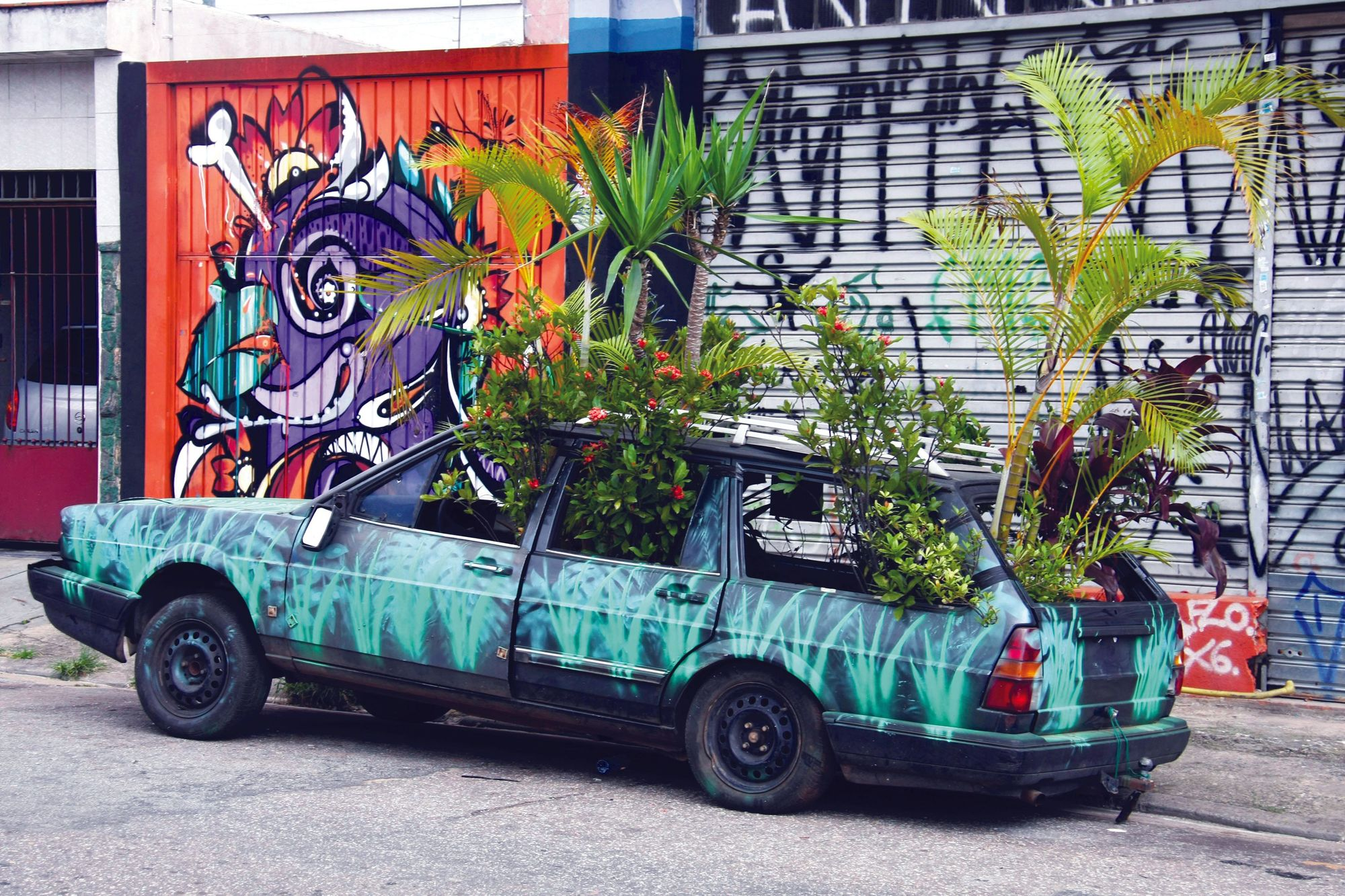Green Car, by Studio Bijari, exposed in Sao Paolo, Brazil, Pulsar Imagens, 2011.