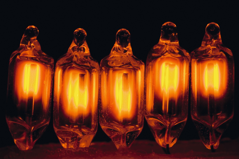 Ampoules et Néon