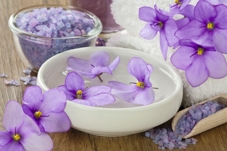 Aionone violette
