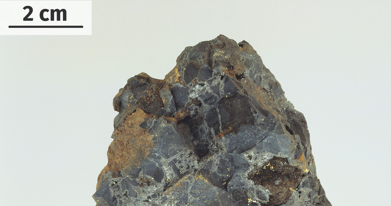 Uraninite, minerai d'uranium, contenant du polonium