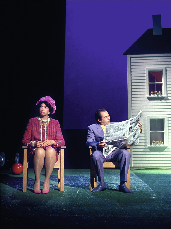 Photo de la mise en scène de La Cantatrice chauve de Ionesco par Jean-Luc Lagarce, 1991.