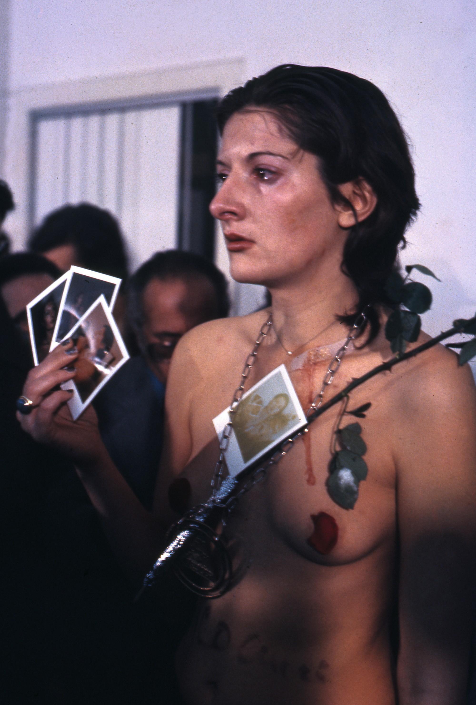 Marina Abramović, Rythm 0, 1974, Studio Morra, Naples.