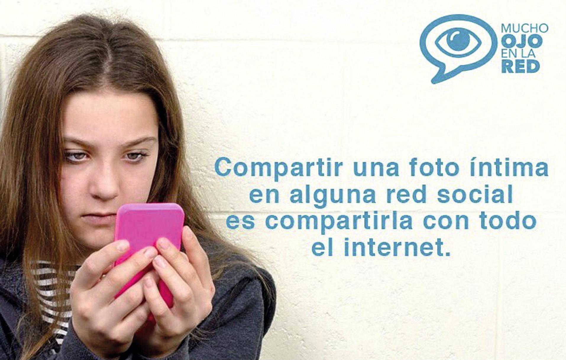 Campaña Mucho ojo en la Red, Red en Defensa de los Derechos Digitales, 2017.