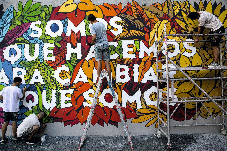 Mural colectivo de los miembros de Boa Mistura, Madrid, 2018.