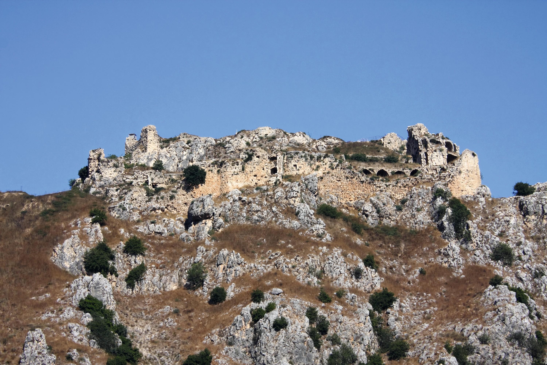 Le château de Beaufort, situé dans l'actuel Liban, l'une des nombreuses forteresses des Templiers dans les États latins d'Orient