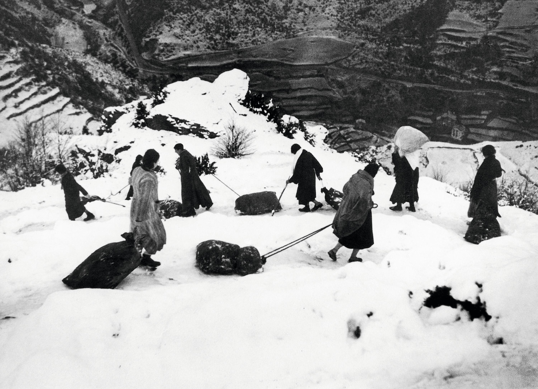 Refugiados  españoles en los Pirineos, 1939.