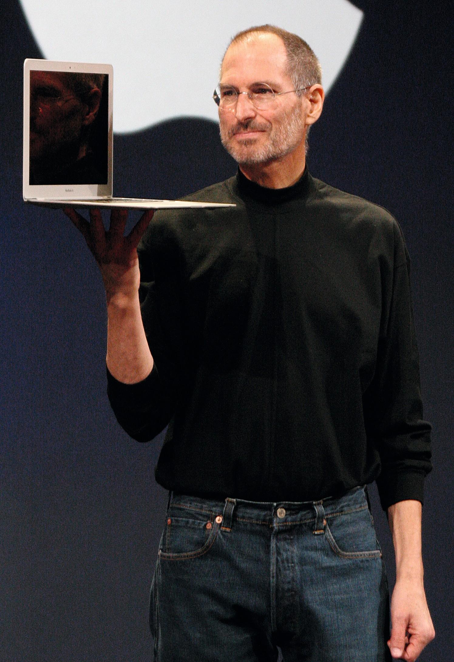 Présentation du MacBook Air par son créateur, Steve Jobs, en 2008