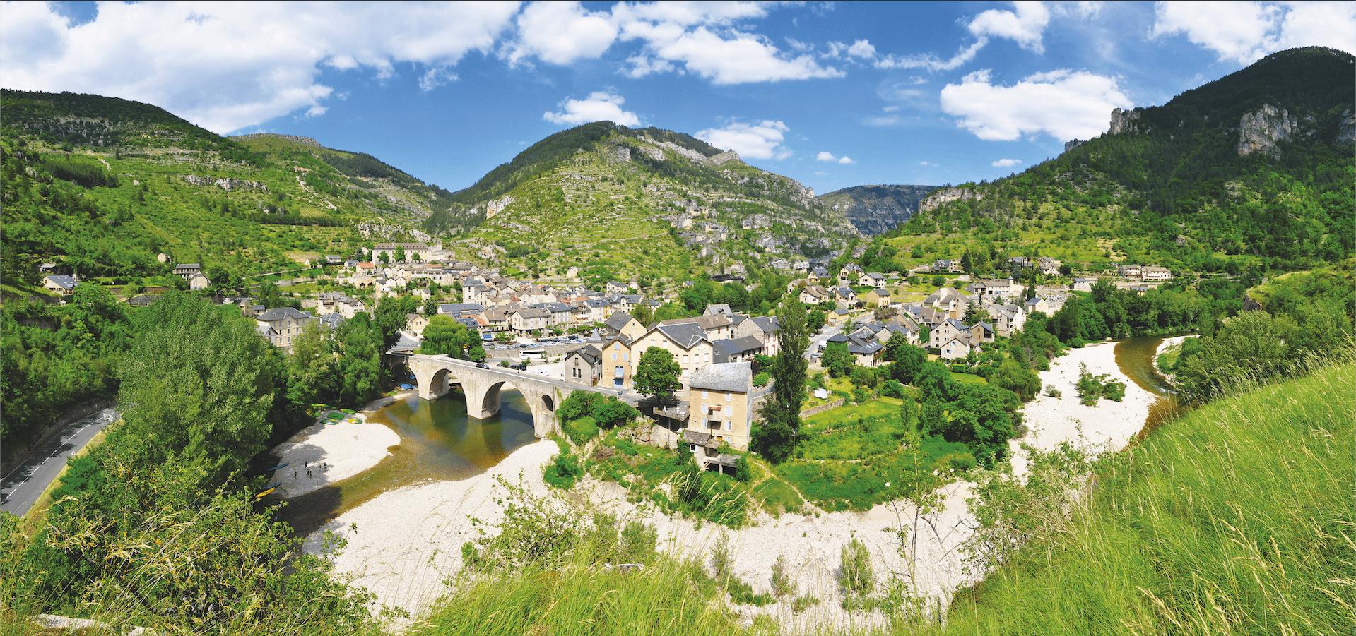 Habiter un espace de faible densité : le village de Saint‑Enimie en Lozère