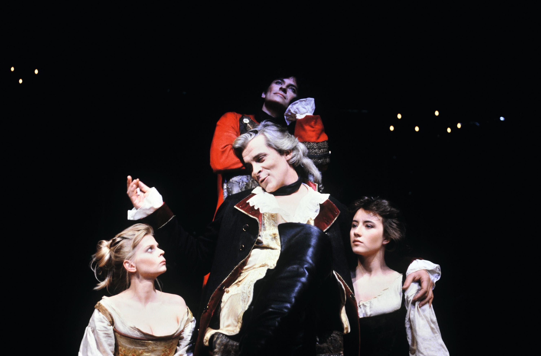 Dom Juan, mise en scène de Francis Huster, Théâtre Renaud-Barrault, Paris, 1987.