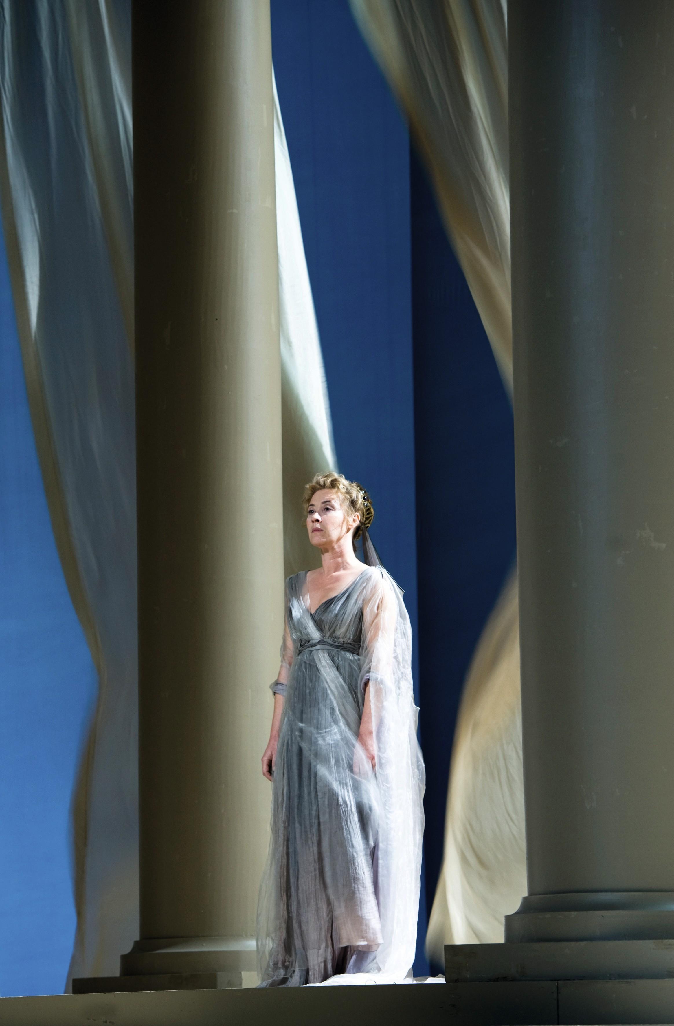 Andromaque, mise en scène de Muriel Mayette- Holtz, Paris, 2010.