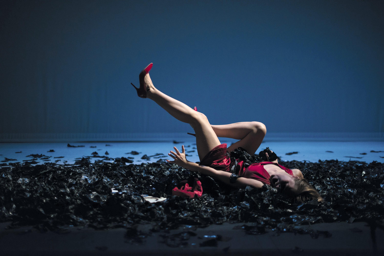 Andromaque, mise en scène d'Anthony Magnier, avec Pauline Bolcatto (Hermione), Compagnie Viva, Avignon Off, 2015.