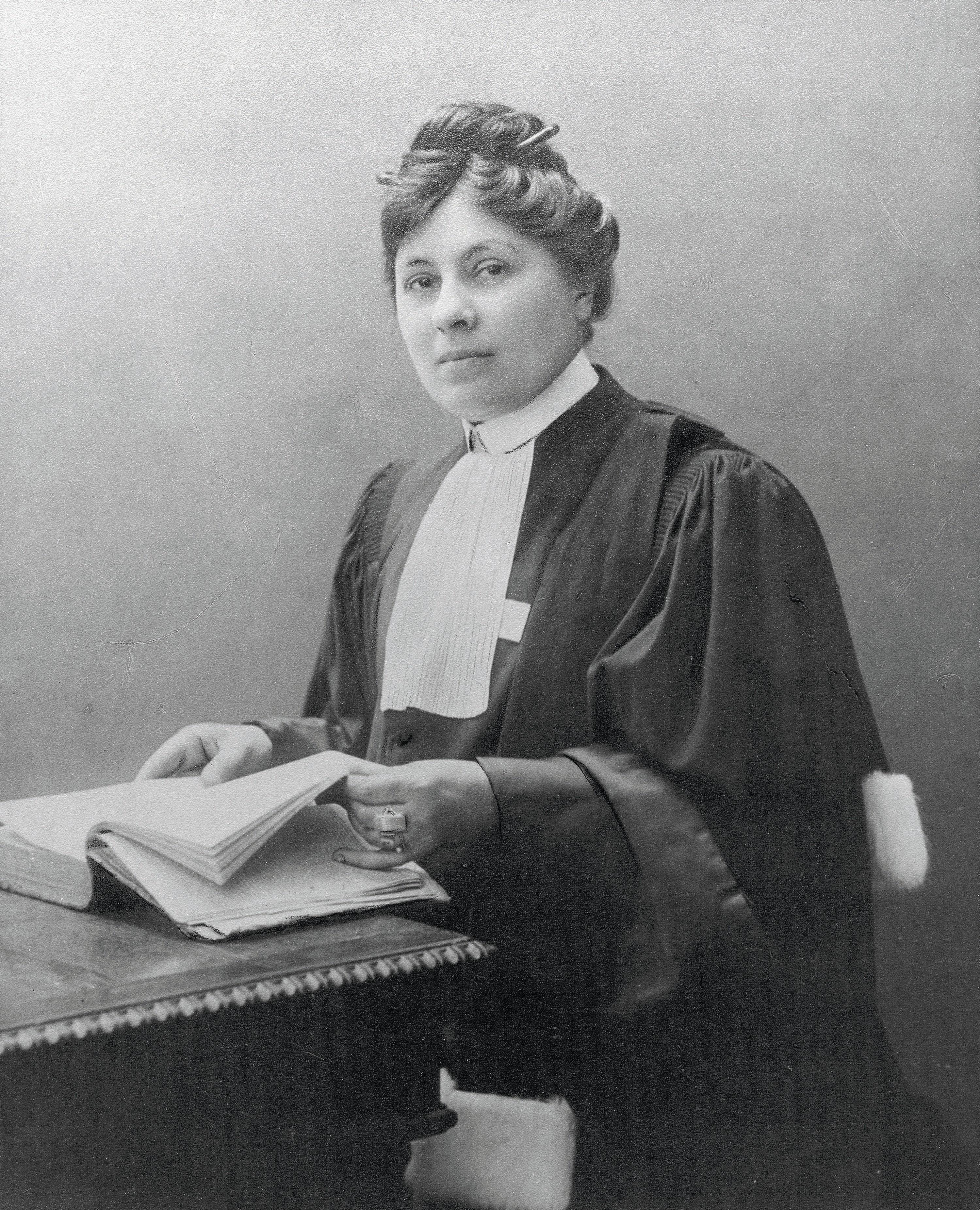 Portrait de Jeanne Chauvin, début du XXe siècle, photographie