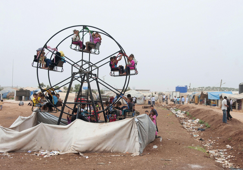 Camp de réfugiés syriens à Bab al-Hawa à la frontière avec la Turquie (2014)