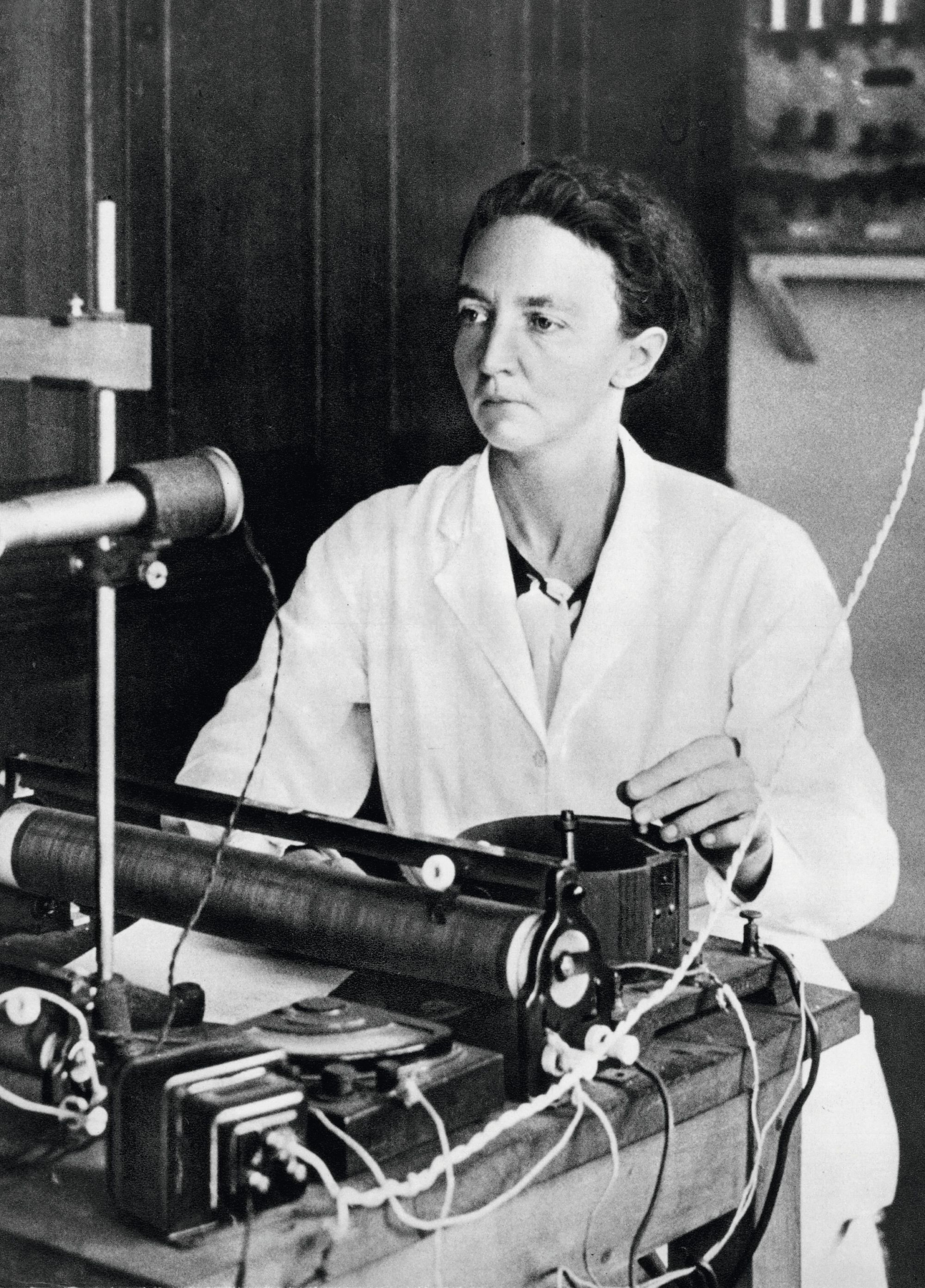 La radioactivité artificielle, Irène Joliot-Curie