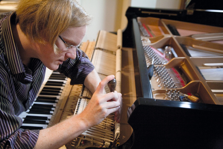 Un exemple de faculté auditive particulière : l'oreille absolue. Cette faculté est très utile pour le métier d'accordeur d'instrument comme le piano.