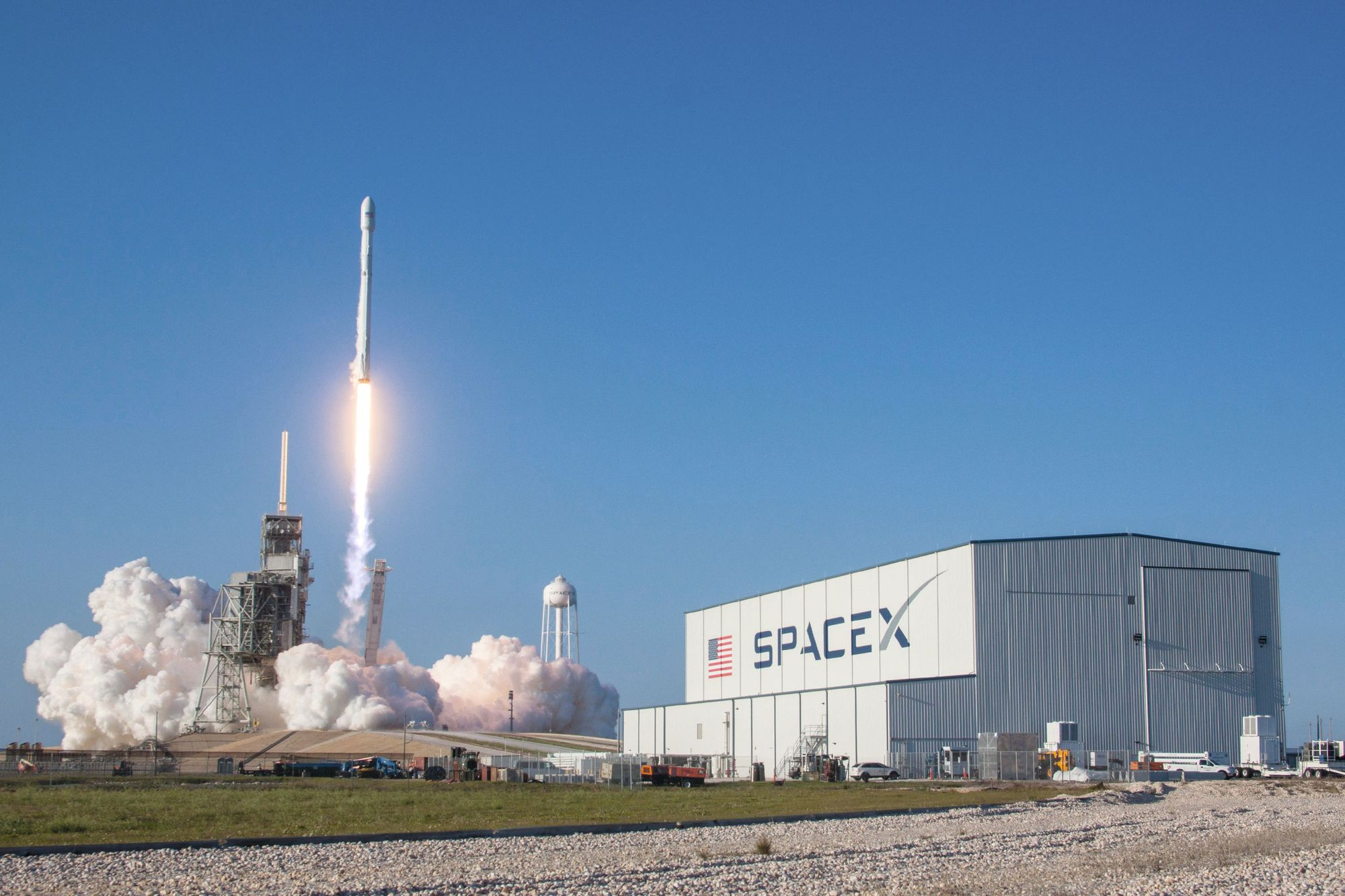Space X, un concurrent inattendu