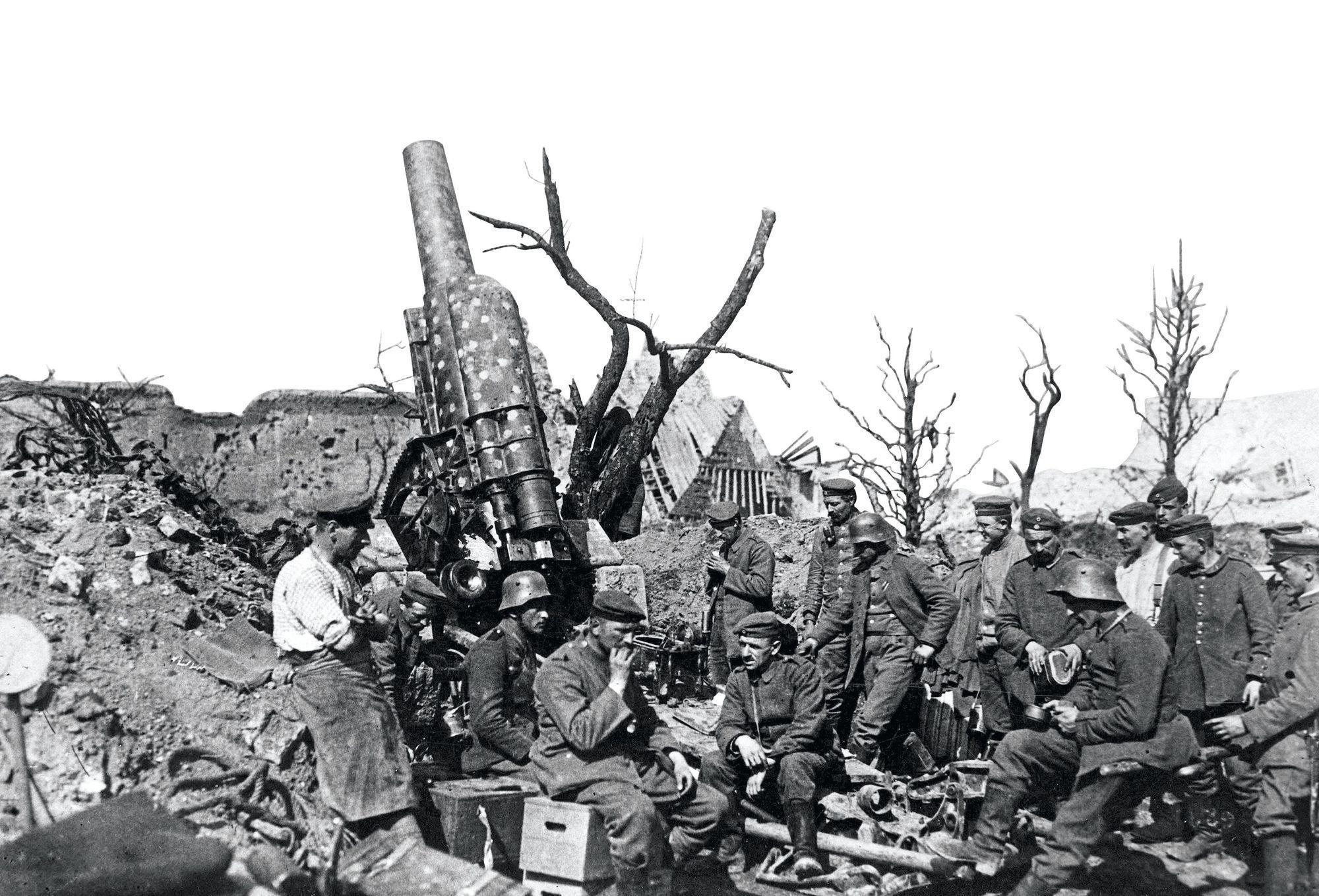 Artilleurs allemands en France en 1918, photographie anonyme
