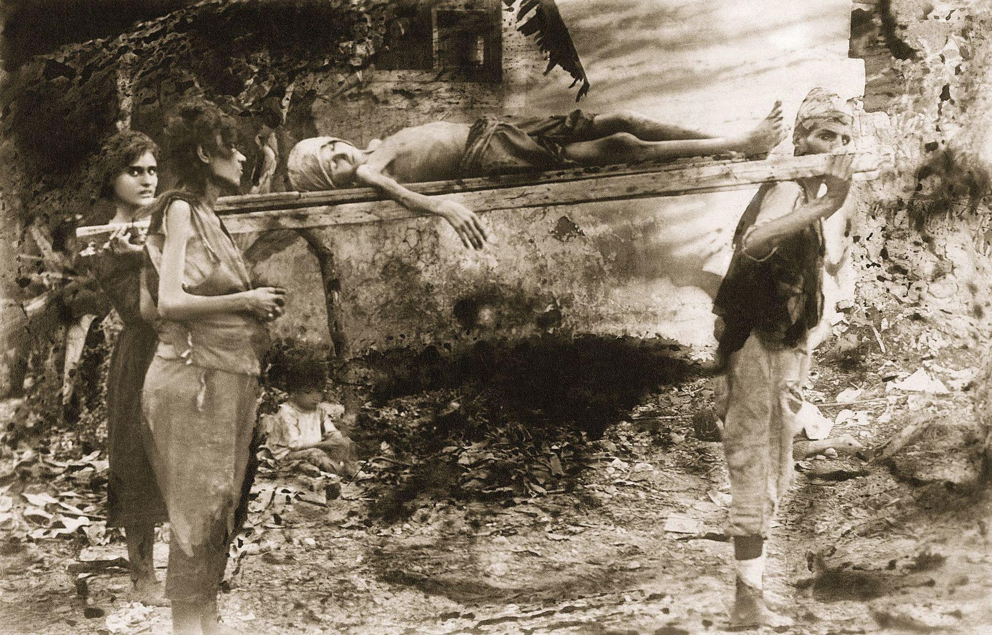 Photographie, v. 1916. © Collection privée Ibrahim Naoum Kanaan. Autorisation de reproduction spécialement donnée par Mme Nayla Kanaan Issa-el-Khoury.