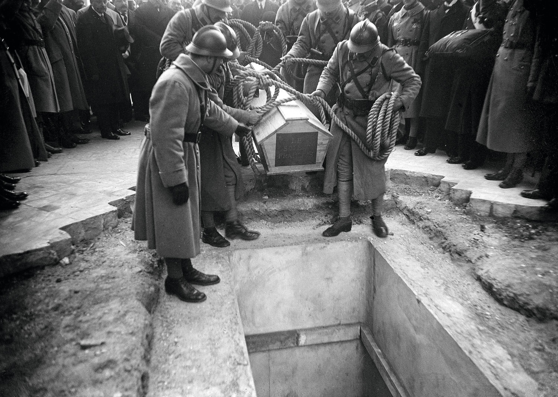 L'inhumation du soldat inconnu