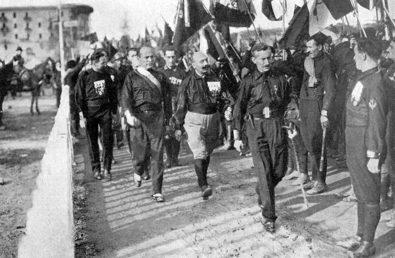 Benito Mussolini et les fascistes marchent sur Rome