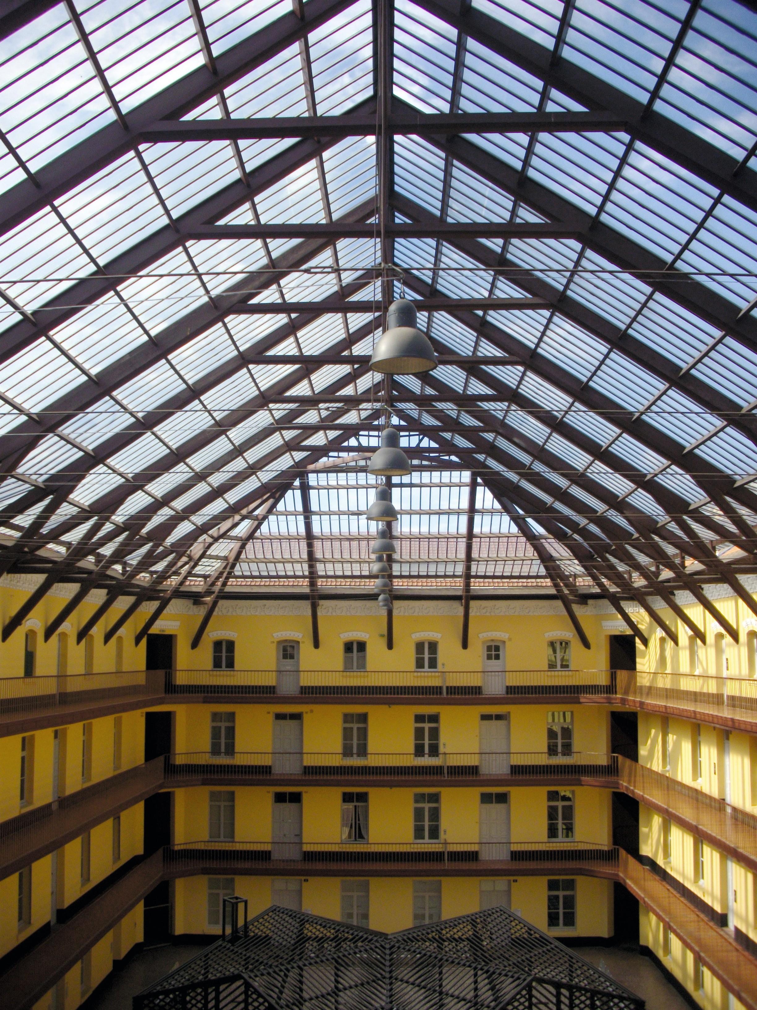Le Familistère est une cité ouvrière fondée par Jean-Baptiste-André Godin à Guise,