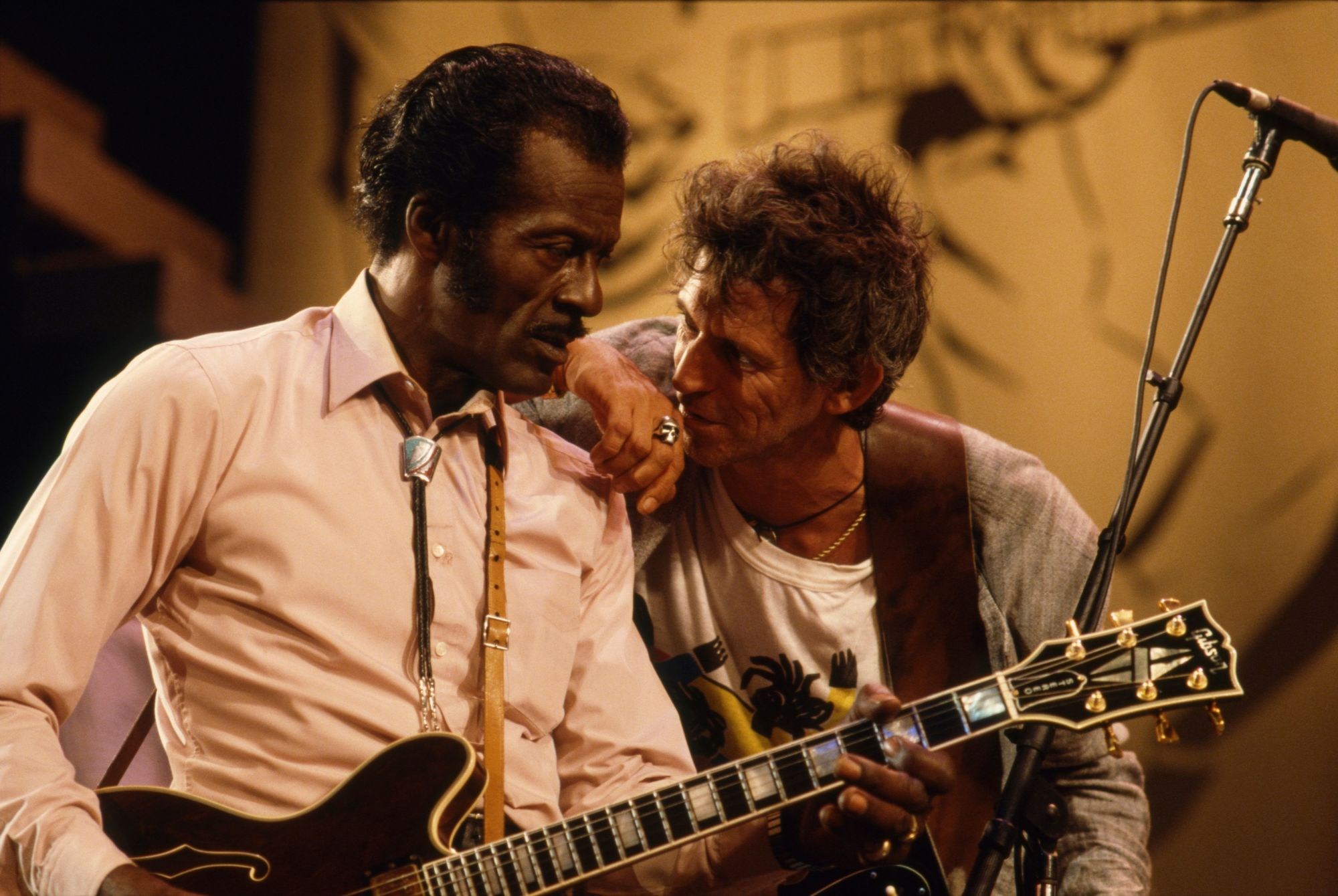 Chuck Berry and Keith Richards on stage, 1986.
