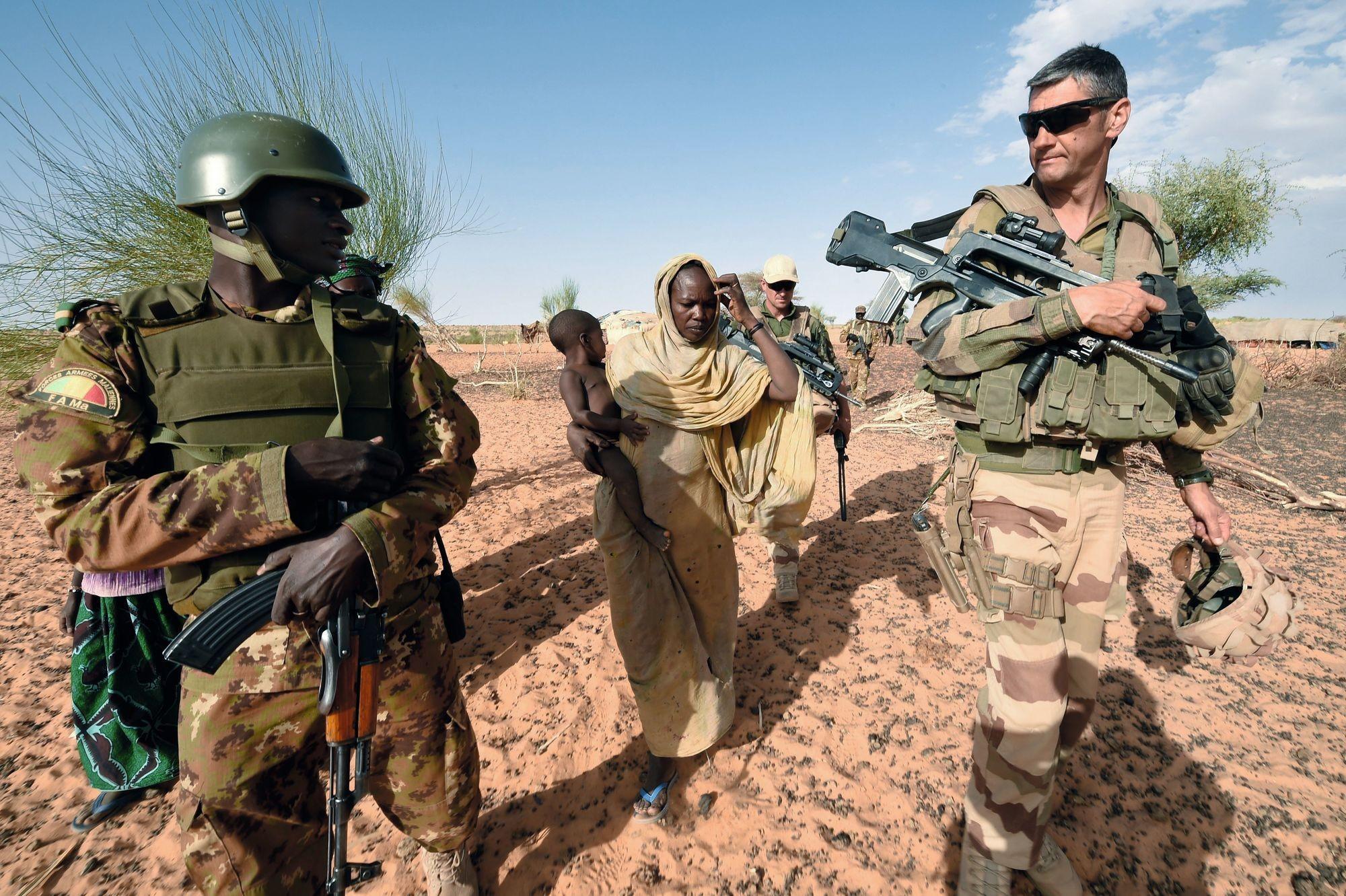 Des soldats français au Mali en décembre 2015, dans le cadre de l'opération Barkhane.