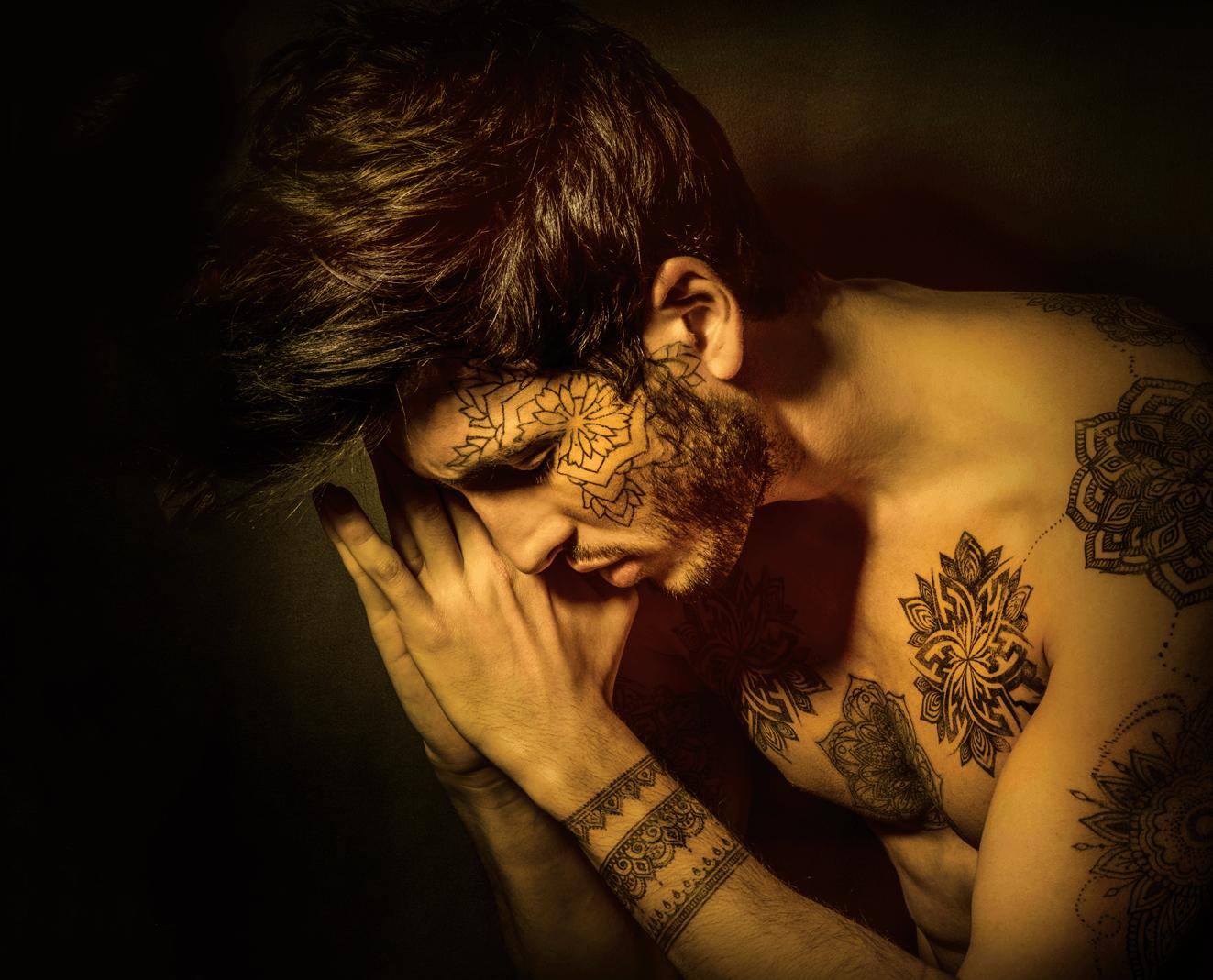 Carátula del álbum Mantra, Sebastián Yatra, 2018.