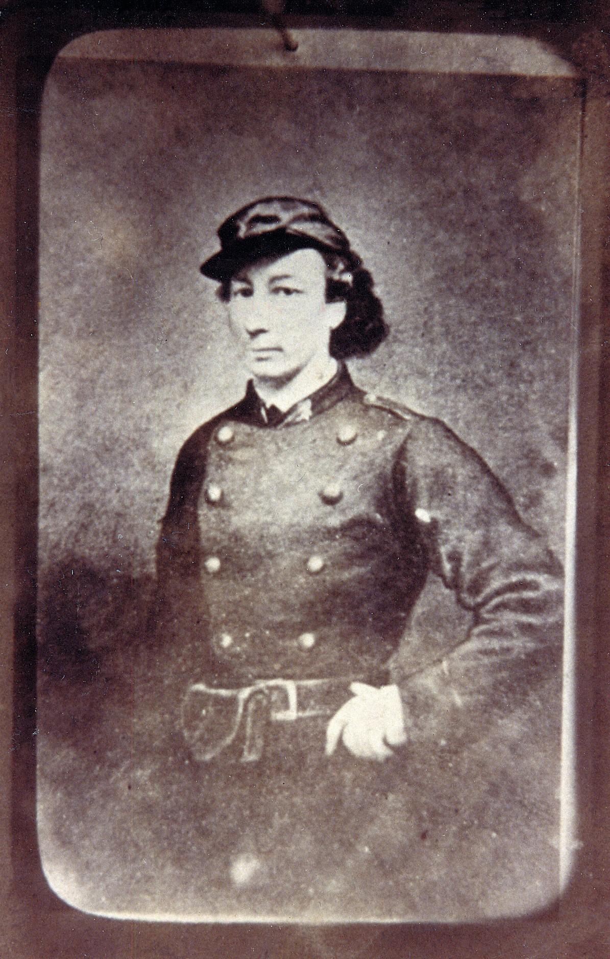 Louise Michel en soldat