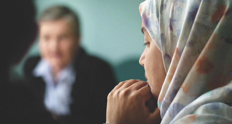 Fatima à une réunion parents-professeurs