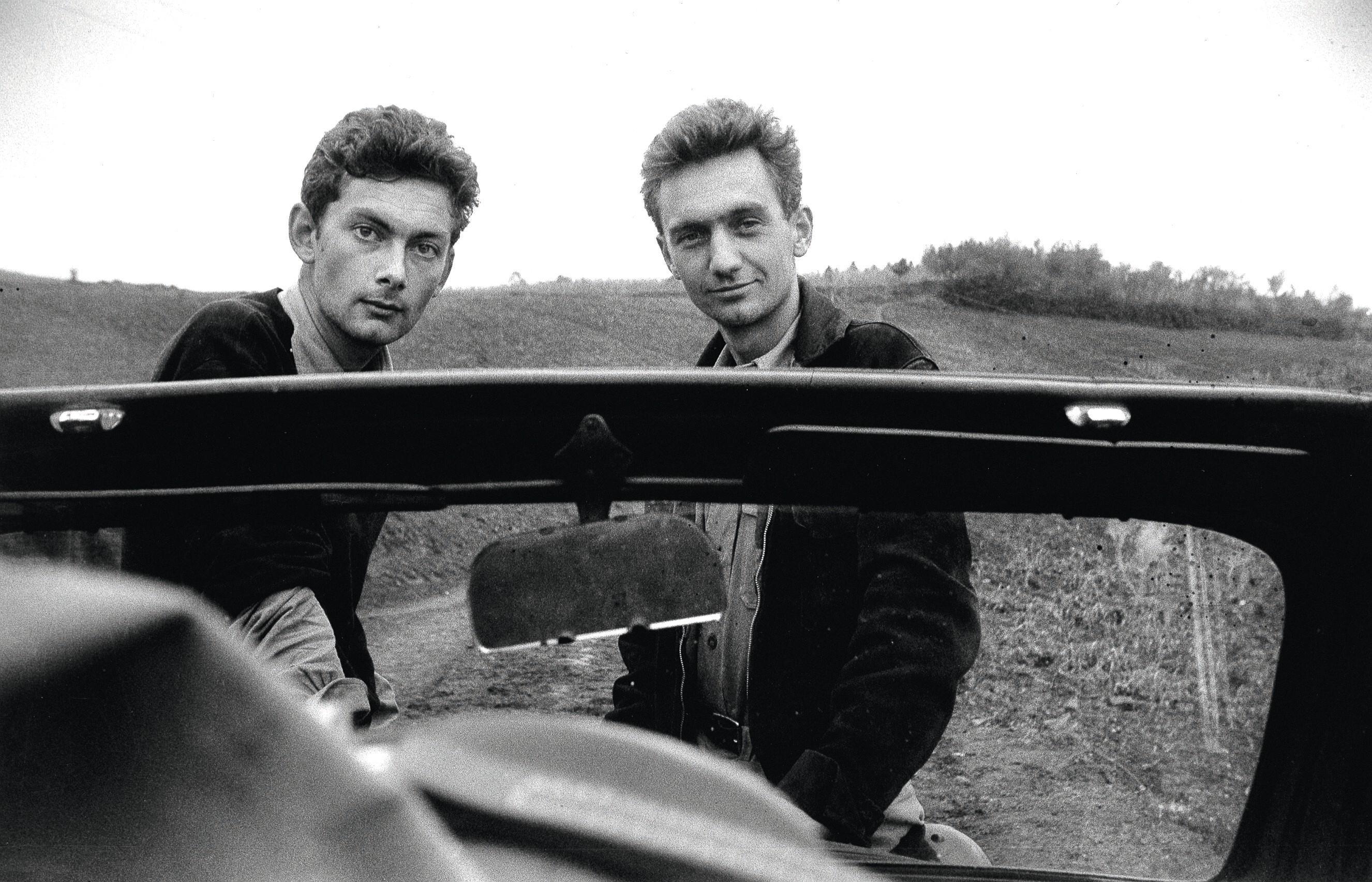 Nicolas Bouvier et Thierry Vernet au col d'Ordu, Turquie, octobre 1953, photographie, musée de l'Élysée, Lausanne, Suisse.