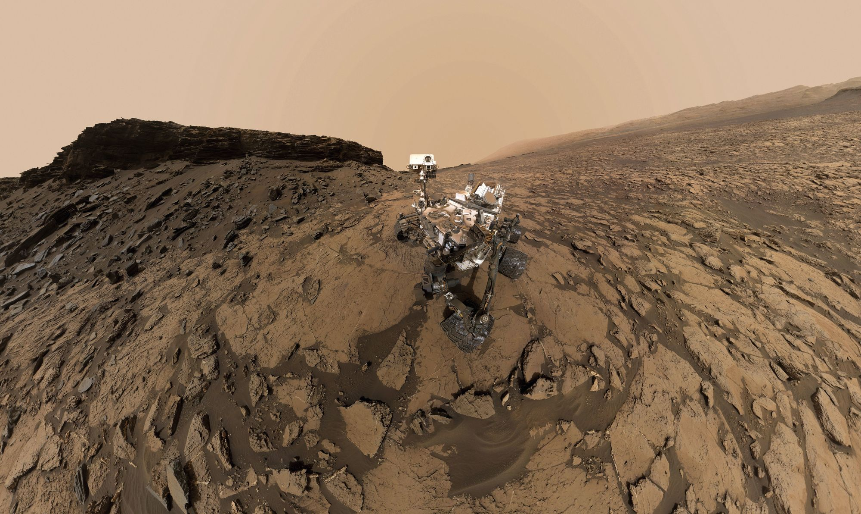 Autoportrait de Curiosity sur le sol martien