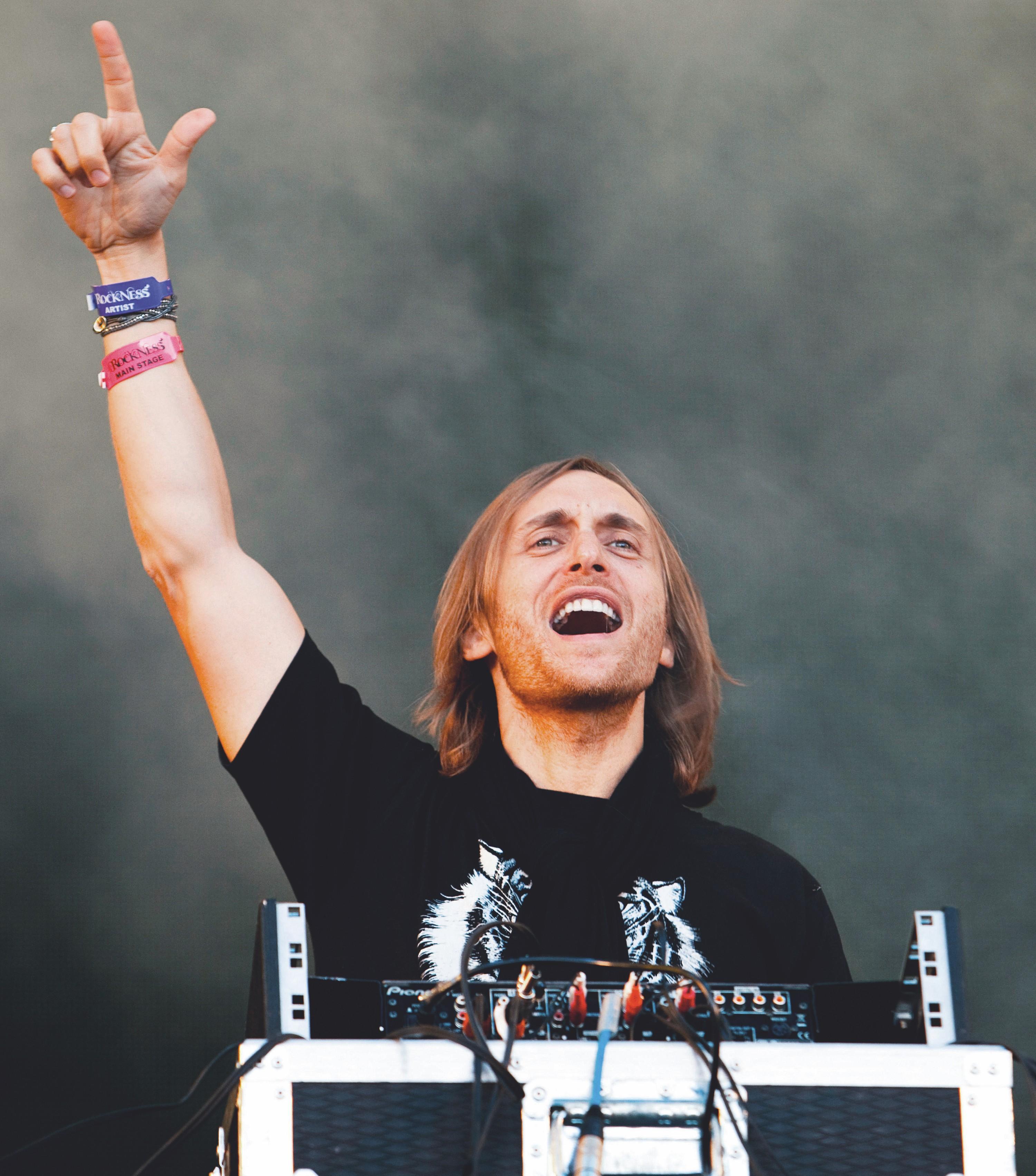 Le disc-jockey (DJ) David Guetta lors d'un concert