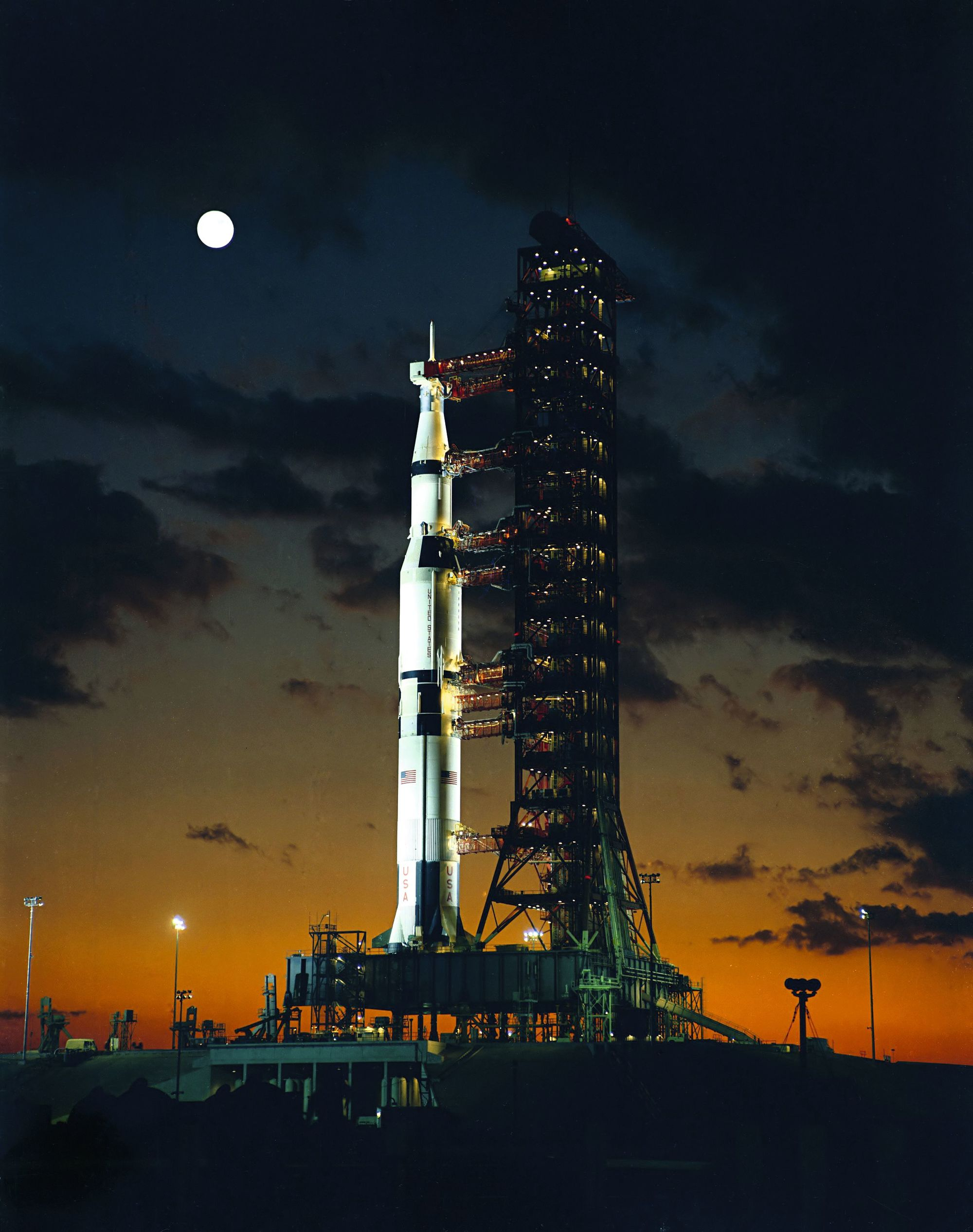 Apollo 4 et le lanceur Saturn V