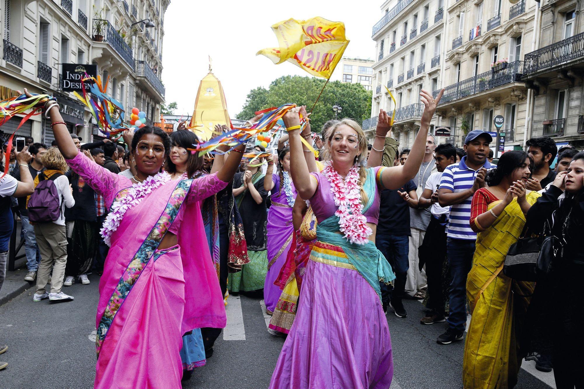 Célébration de la Ratha Yatra à Paris (2016)