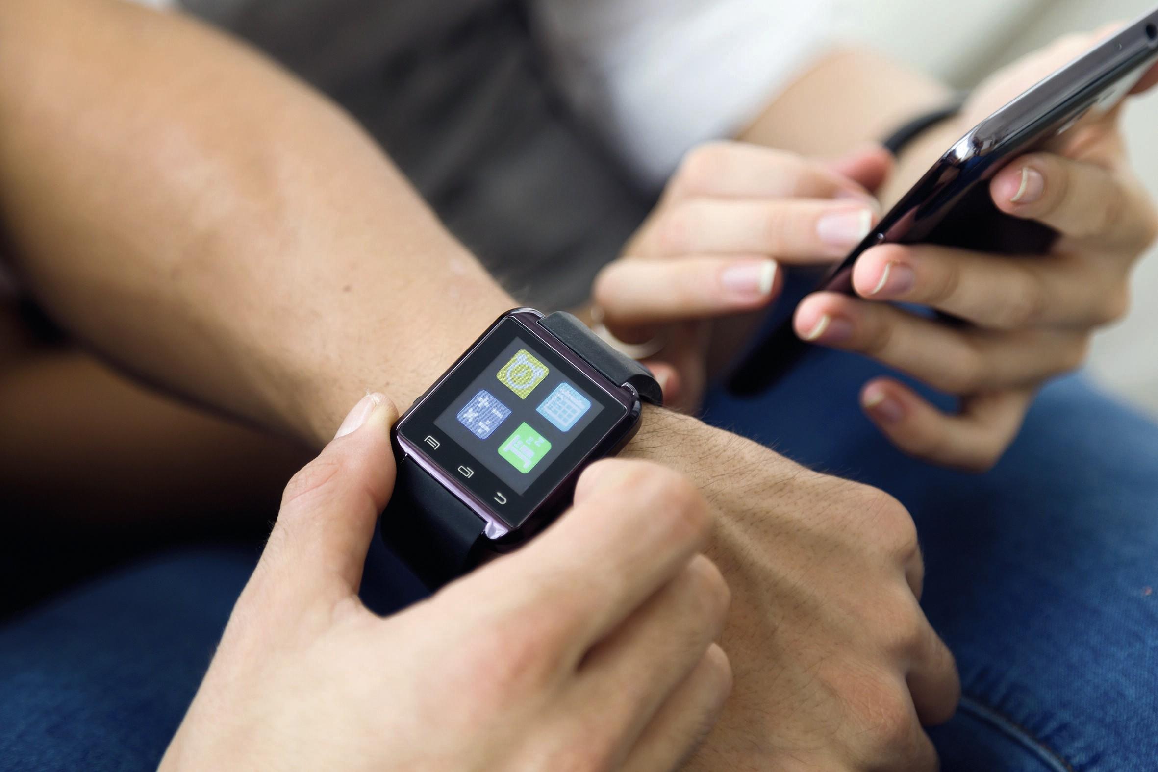 Smartphone et montre connectée - activités