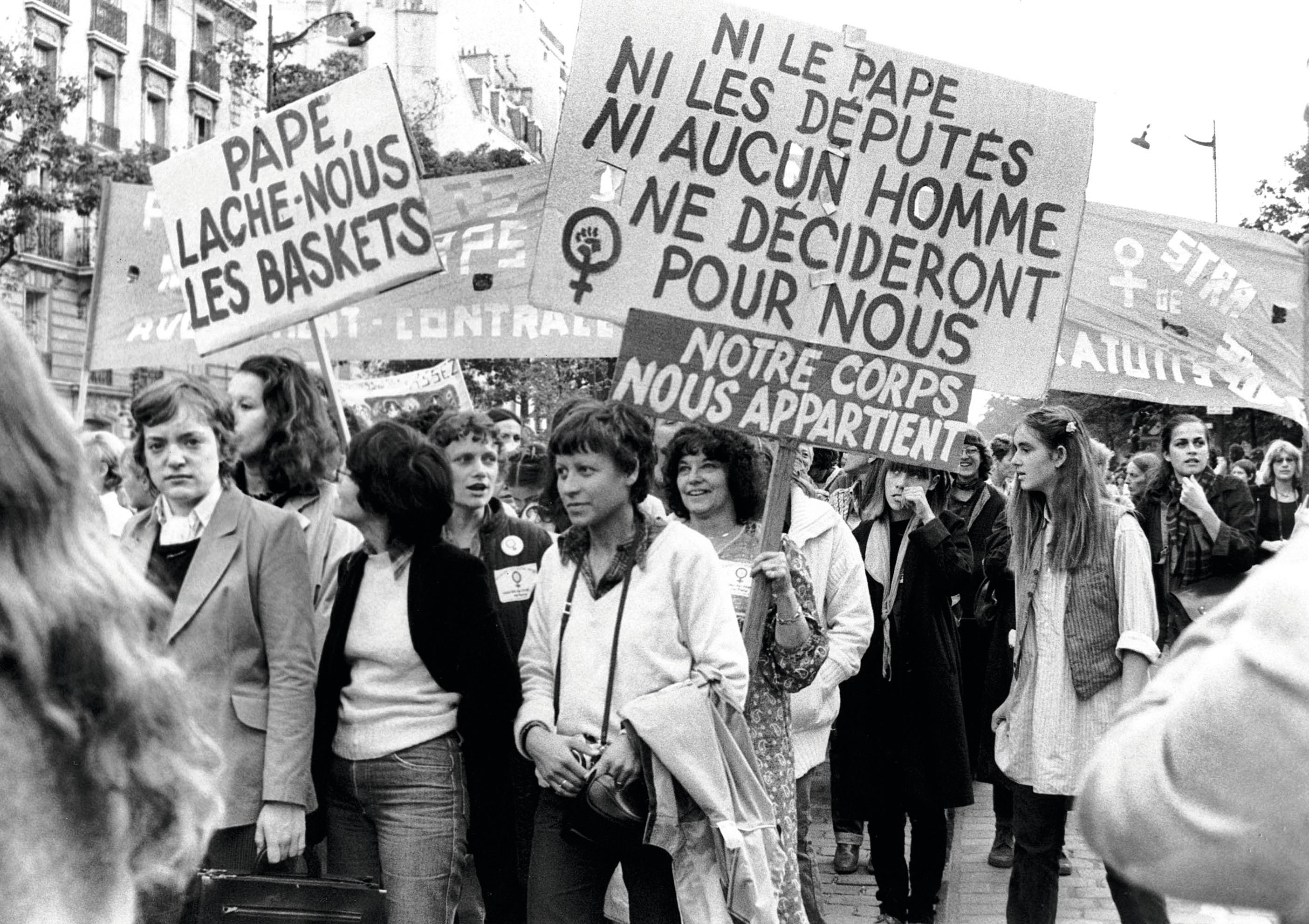 Manifestation des femmes pour la défense du droit à l'avortement en France en 1979.