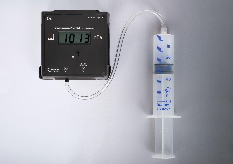 Matériel de mesures de la pression et du volume d'un gaz